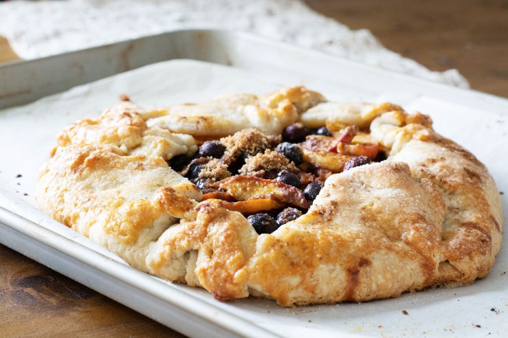 blueberry_peach_galette_04